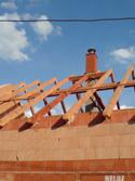 Jednoprůduchový komín, nadstřešní část imitace cihel, Drnovice